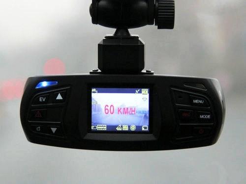 60帧率8倍变焦 神行者GT70真高清多功能记录仪