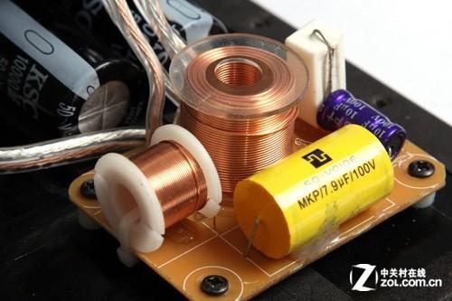 功率分频器安装起来还是比较简单的,有源和无源的音箱都可以使用它;但