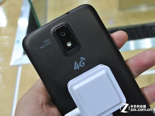 4G不远? 中国移动携多款4G手机亮相GSMA
