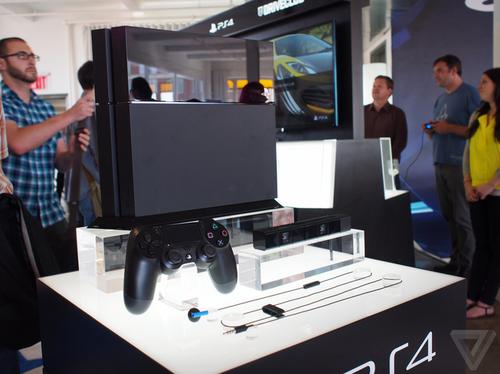 索尼PS4将于11月15日上市 售399美元