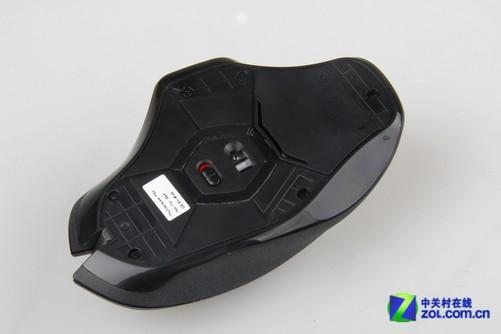 2013年8月28日,罗技G602无线游戏鼠标发布,其凭借全新的外观造型和超长续航时间,获得了极高的关注度。G602长达250小时的游戏续航时间,相当于其它无线鼠标10~20倍,同时,罗技还为其设计了一个非游戏模式,该模式下可为玩家提供长达1440小时的续航时间。作为罗技的最新产品,G602的内部结构如何?独特的外观造型和449元的售价,又是否值得购买?下面我们就来一起讨论一下。