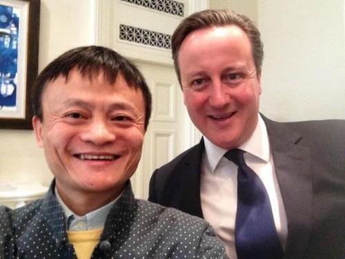 马云与英首相玩自拍 密会伦敦证交所CEO