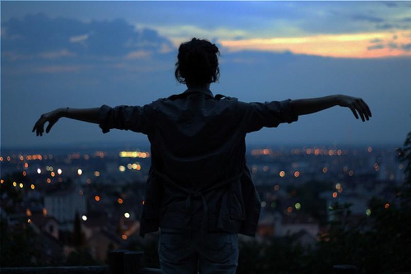 一个人看世界的灯火阑珊 唯美意境摄影 (16/16)图片