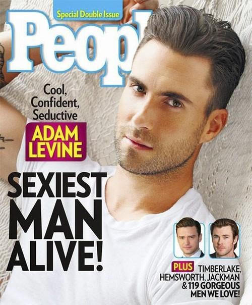 最后的性感封面是People的11月刊封面,没错,是位男士,但这位摇滚歌手Adam Levine刚刚被People杂志评选为2013最性感的男人,这也是People首次将这个位置颁给音乐人,So,这位帅哥怎么能不出现在这个最热烈榜单上?