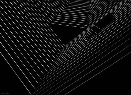 简单的线条,单调的黑白两色,在摄影师的镜头中却发生了奇妙的反应