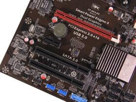 七彩虹A88X显卡插槽