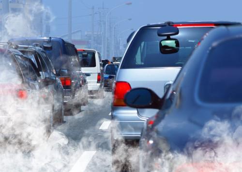 汽车尾气排除的超标氮,硫化合物(图片来源于百度图片)