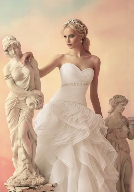 穿婚纱的女人最美 唯美梦幻的人像摄影