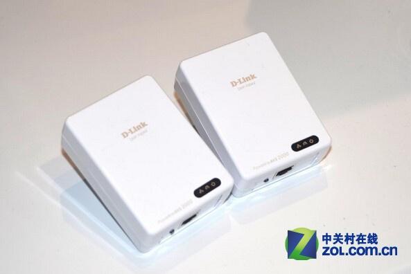 D-Link DHP-701AV电力猫配备了最新的HomePlug中AV2多输入多输出(MIMO)技术,在电力线上的传输速率可达惊人的2000Mbps。这款新品预计今年一季度发售,售价130美元!