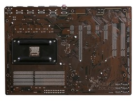 技嘉GA-990X-D3P rev.1.0背面