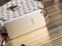 朵唯 L9 4GB+64GB 双卡双待 香槟金手感舒适 京东朵唯手机旗舰店售价1599元