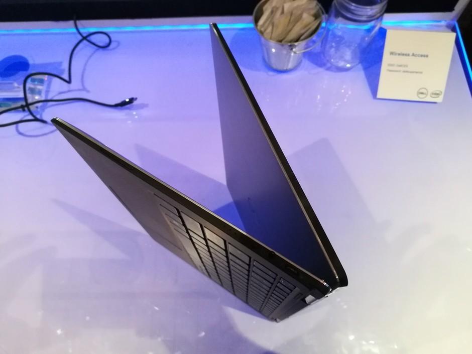 CES现场戴尔展示XPS 13翻转屏版本新品