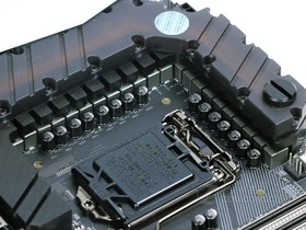 技嘉AORUS Z270X-Gaming 9供电部分