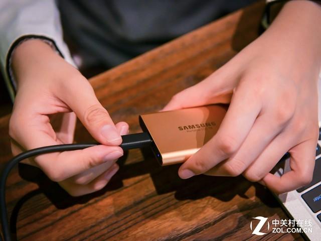 三星T5移动SSD评测:多彩才年轻