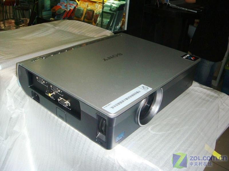 索尼vpl-cx130 投影机产品外观与图解-zdnet it采购
