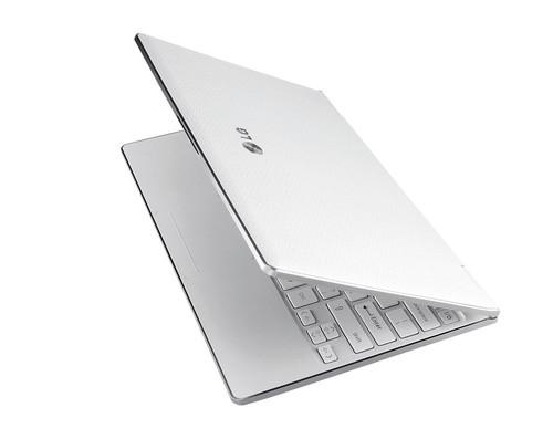 LG X300新本超轻薄设计 重量不足1千克