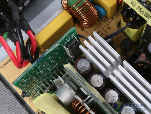 llc谐振转换器; 430w玩转俩gtx465最廉价金牌电源
