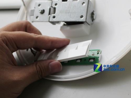 e2343f液晶显示器在osd按键电路上方设计了塑胶