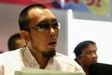 现场评委——ZOL视频中心执行企划 炳叔。