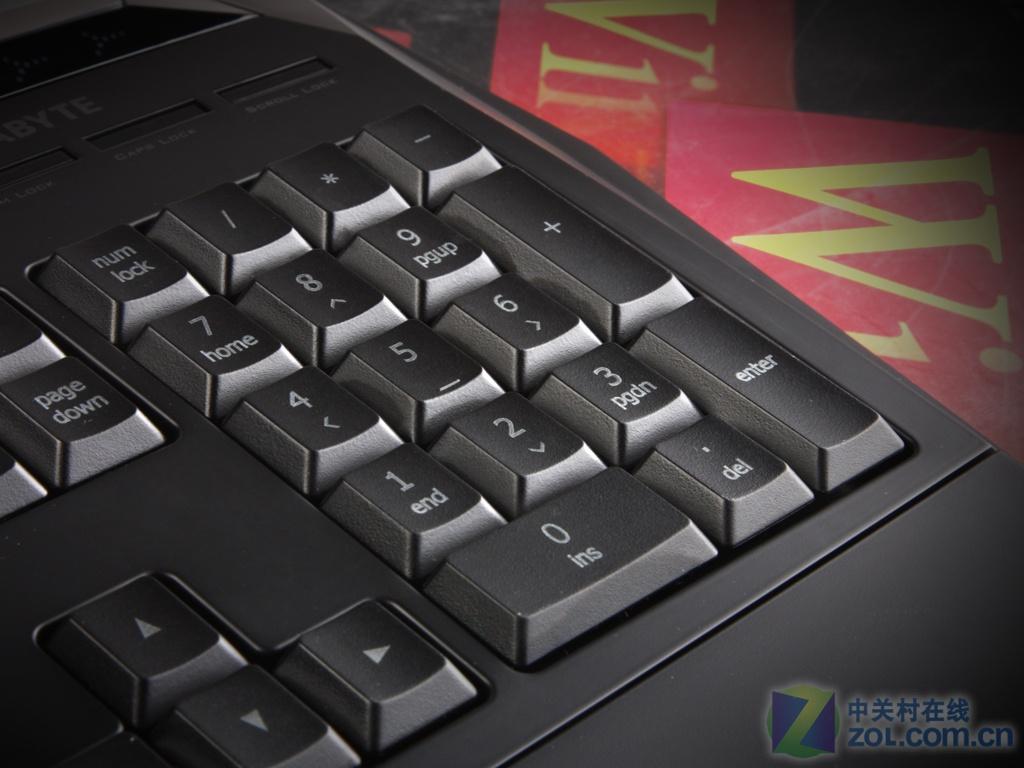 【高清图】 夜光顶配!技嘉k8100游戏键盘酷图欣赏图13