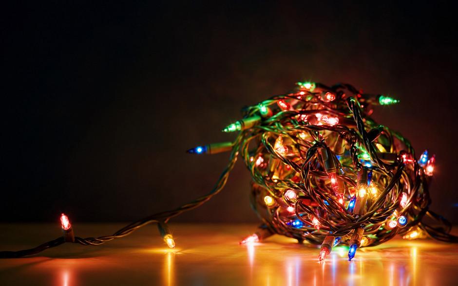 点亮你的冬日恋情 圣诞节彩灯高清壁纸