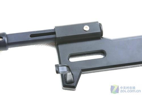 谷客8515摄像头的支架为液晶防盗背锁式底座,这样摄像头可以安装在