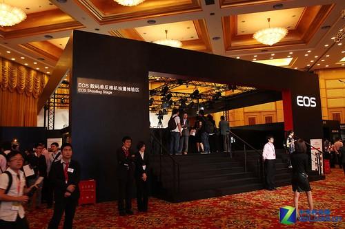 佳能EXPO2011:从相机到镜头 EOS惊艳亮相
