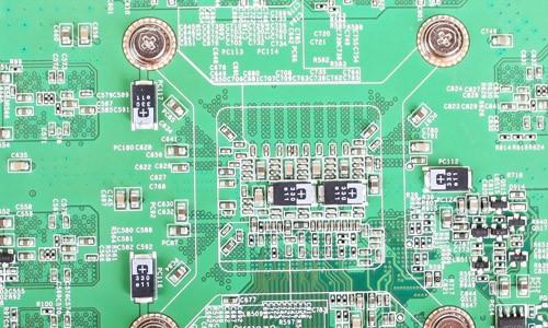 翔升gtx560 金刚版 2g d5显卡背面的高分子电容