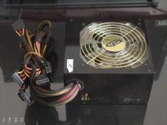 电源散热效果大比拼 大风扇VS小风扇
