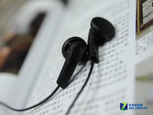 [中关村在线音频频道原创]一提到入门级产品,可能大家脑海中都是一些山寨及假冒伪劣产品。其实,入门级低价位耳塞同样具有很强的竞争力。尤其是对于一些非HiFi用户,它们对于音质可能只是出出声音,比MP3赠送的耳塞强一些就可以,这个时候低价位就可以做到的事情何必还要多花钱呢? 我们今天的评测主角是来自著名耳机厂商森海塞尔推出的MX170耳塞,从型号上来看,这是MX160的升级版本,在外观上也没用太大的变化。售价上,仅119元似乎对许多国产耳塞造成了冲击,到底能不能成为性价比之王呢?请看我们的评测。