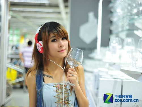 印记耳机新鲜的气息轻松塑造活泼可爱的花园女孩形象