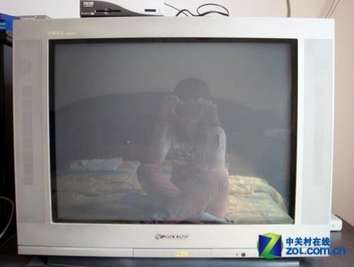 碗守在電視機前的時代