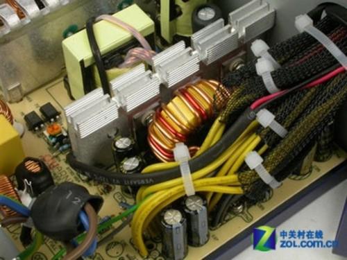 电源内部电路设计_全汉
