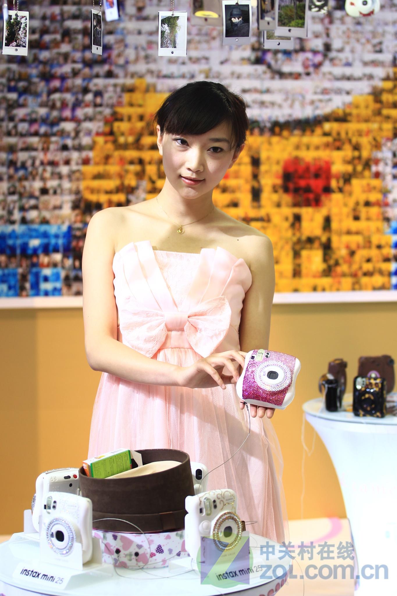 p&e2012:轻松熊小可爱 富士美女搜罗