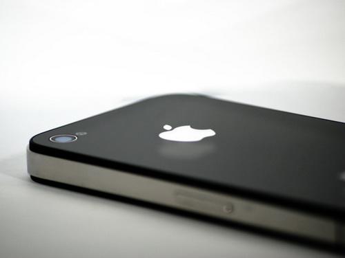 专家:iPhone贴膜多余 装饰作用大过保护