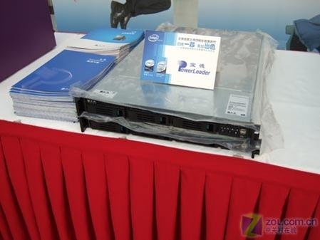 四核发布现场:新款服务器 中国制造