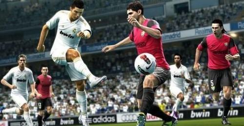 《实况2013》史上首次先于《FIFA13》发布