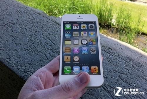 """iOS6惊现""""伸缩""""特性 iPhone5真的更大更长?"""