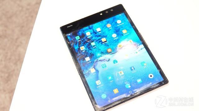 7.8吋双摄:柔宇FlexPai折叠屏手机亮相CES2019