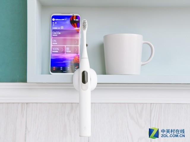 内置小米手环?全球首款触屏电动牙刷评测