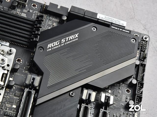 华硕ROG STRIX TRX40-E GAMING主板评测 新锐潮男来了 让个道