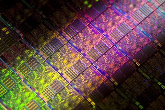 兆易创新首款DRAM芯片2021完成验证